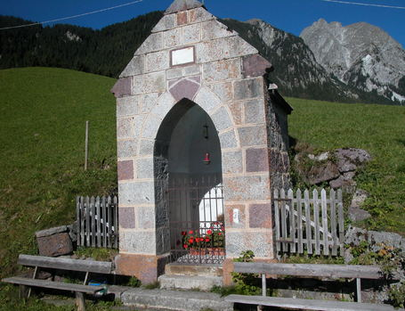 capel in the middle of the mountains, hotel hohenwart, schenna, south tyrol
