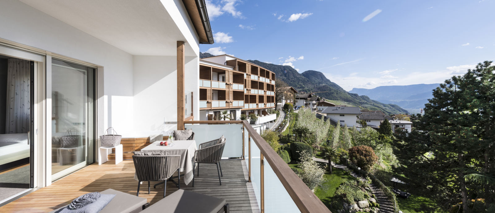 Beautiful rooms and suites Hotel Hohenwart, Schenna, South Tyrol